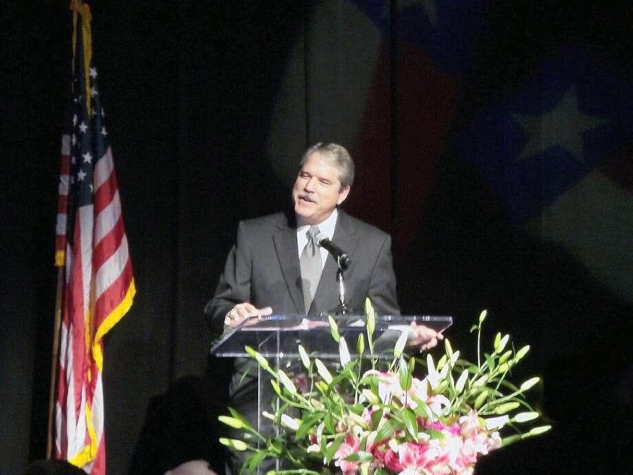 Sen. Taylor addressing 2015 TCCRI Gala attendees.