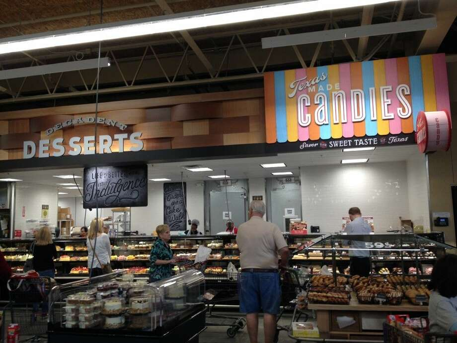 The bakery and dessert counter at the newest HEB location on San Felipe Street. Photo: Wendy Cawthon