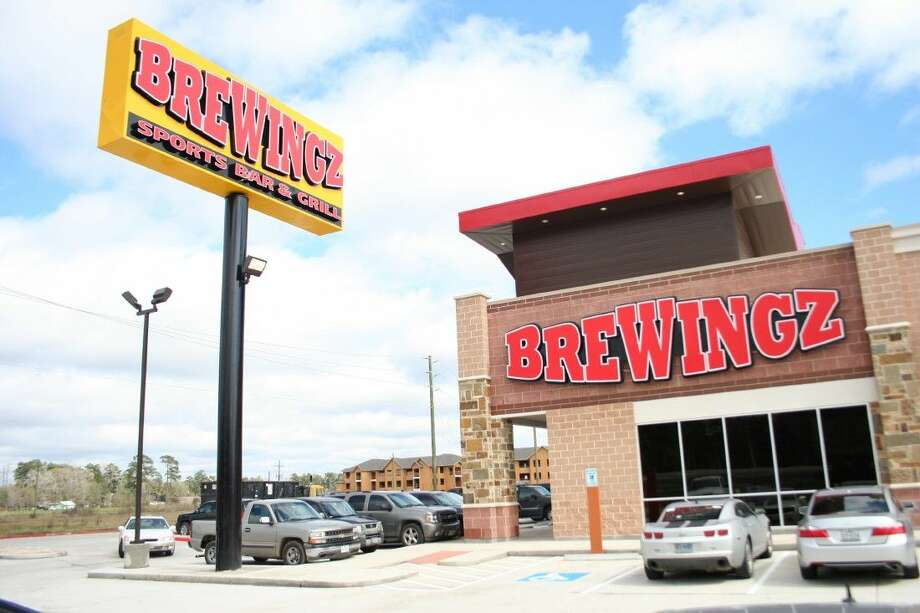 Brewingz Sports Bar and Grill opened Wednesday, Feb. 25 at the corner of Northpark Drive and U.S. Highway 59. Photo: Nate Brown