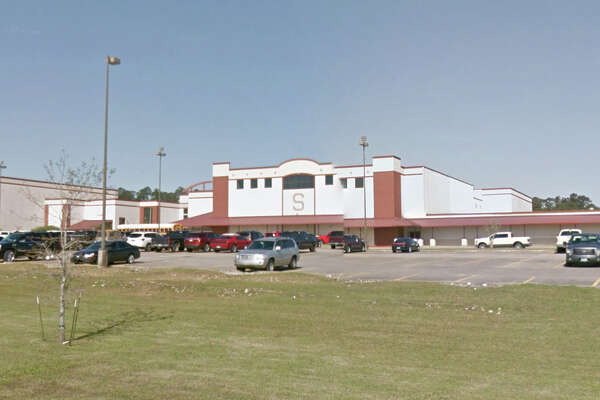 Silsbee High School Where:1575 U.S. 96 N., Silsbee Score:100/100 Comments:Clean and organized, all specifications met