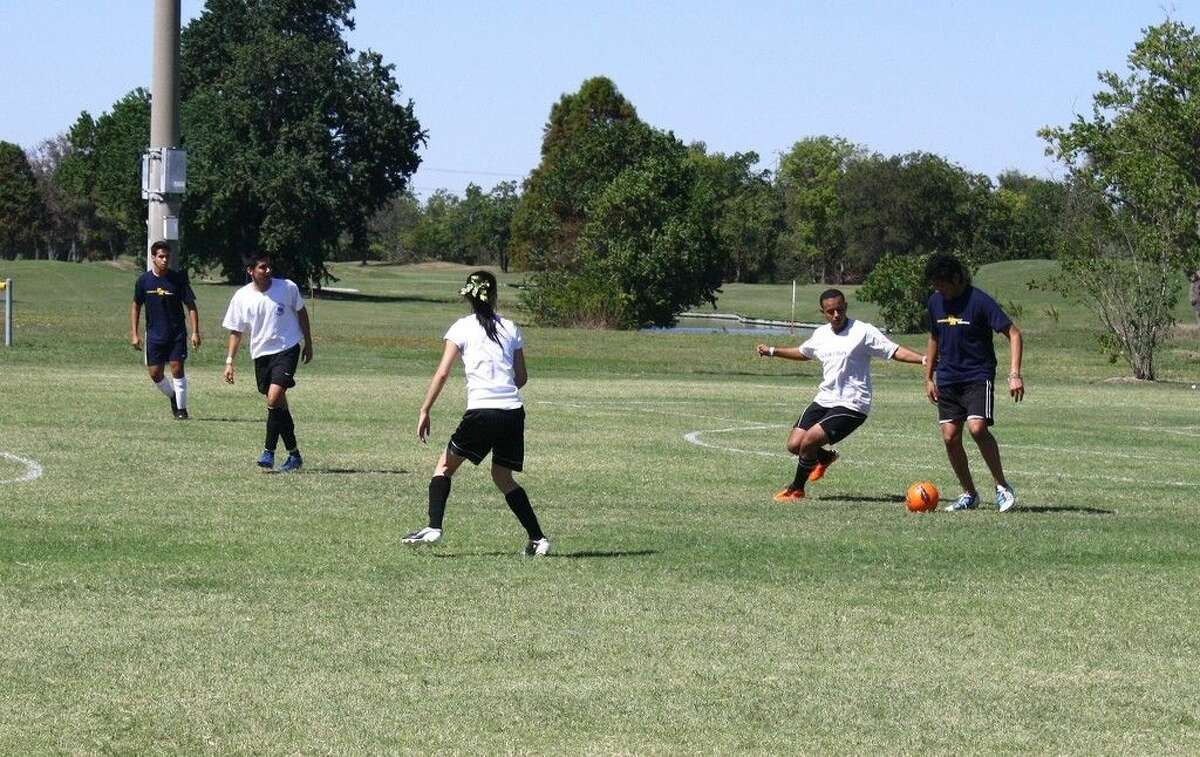 Recreational sports teams from Gulf Coast area community colleges will compete in the Spring 2015 Gulf Coast Intercollegiate Conference (GCIC) Sports Day on Feb. 26 at San Jacinto College. Submitted photo.