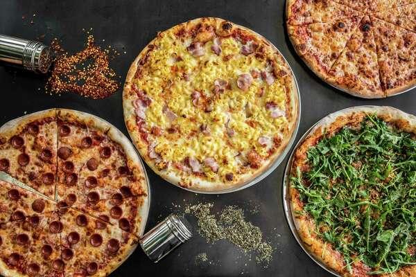 Pizza Open On Christmas.Houston Bars Restaurants Open Christmas Weekend 2017