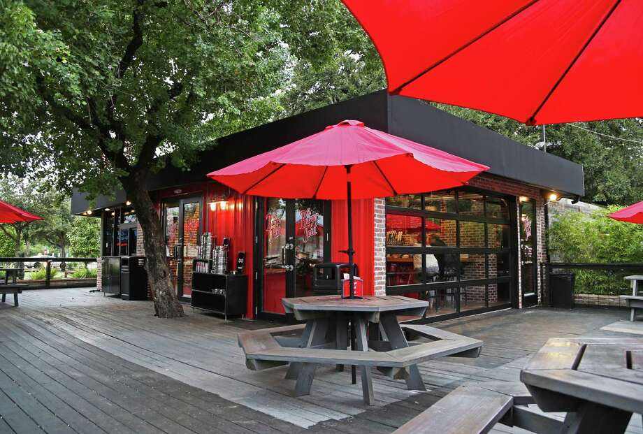 Houston bars & restaurants patio that welcome dogs:MONTROSEThe Burger Joint2703 Montrose Blvd., 281-974-2889 Photo: Gary Coronado, Staff / © 2015 Houston Chronicle