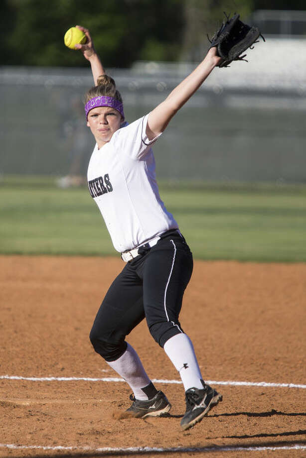 Kingwood Park's Alyssa Gardner pitches during Kingwood Park's matchup against Summer Creek on April 4, 2014, at Kingwood Park High School. (Photo by ANDREW BUCKLEY/The Observer) Photo: ANDREW BUCKLEY