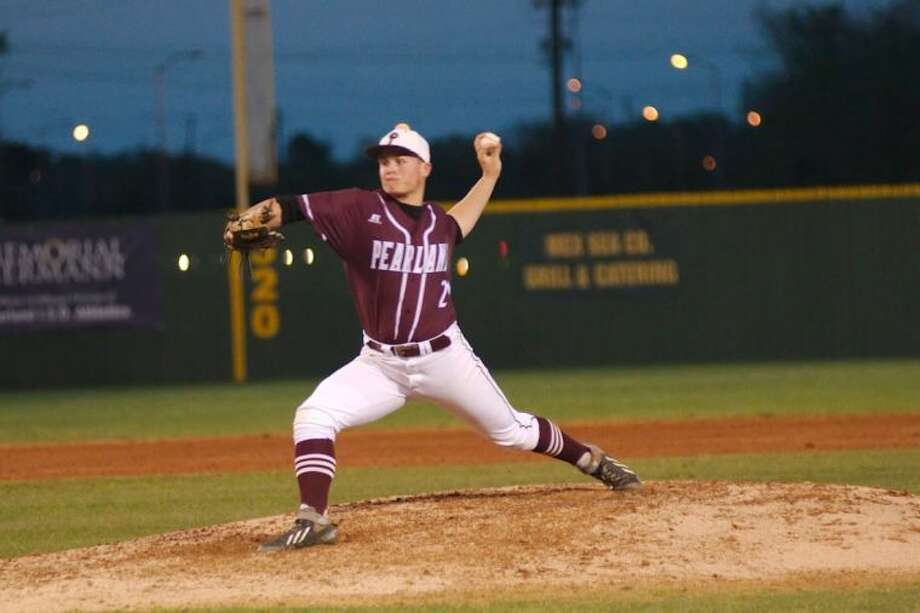 Jake Crain shows his no-hit form in Pearland's 8-1 win over Pasadena Memorial Tuesday. Crain struck out eight in hurling the gem. Photo: KIRK SIDES