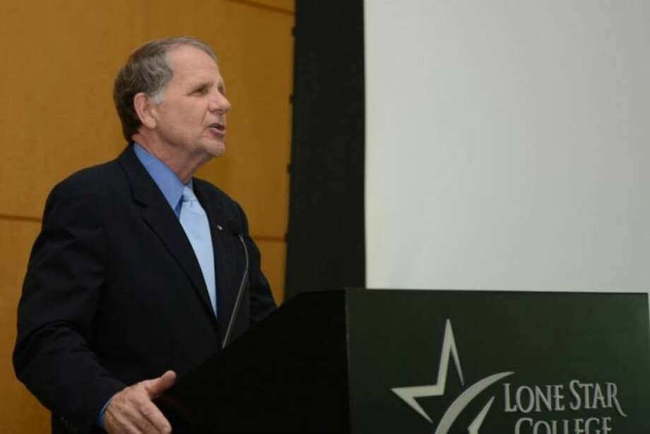 Congressman Ted Poe speaks to Houston Northwest Chamber members.