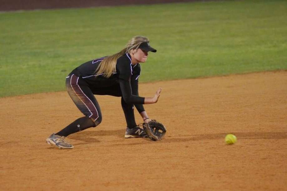 Pearland shortstop Kristen Cuyos homered, doubled and drove in five runs for the Lady Oilers Monday night. Photo: KIRK SIDES