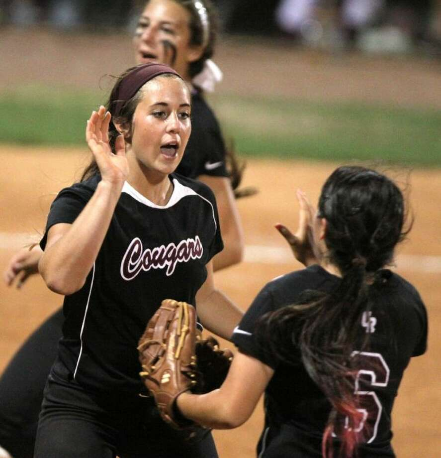 Kayla Ober and Cinco Ranch lead District 19-5A with a 9-0 record, aiming for a repeat championship. Photo: Alan Warren