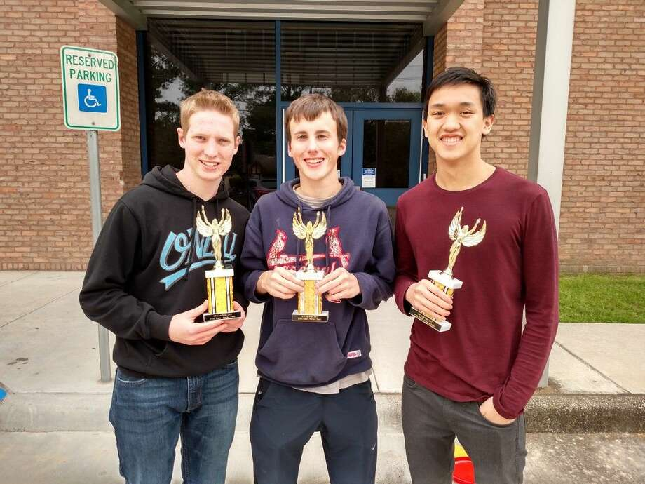 The novice team of Stephen Harlow, Tyler Rex and Jonathan Nguyen placed fifth and received trophies.