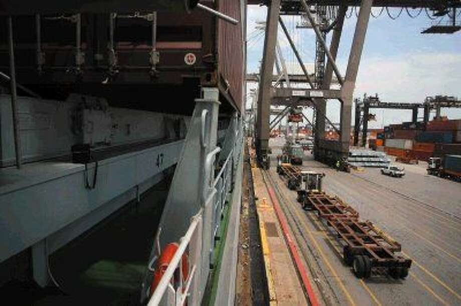 Container ship docked at the Port of Houston. Photo: Kar B Hlava