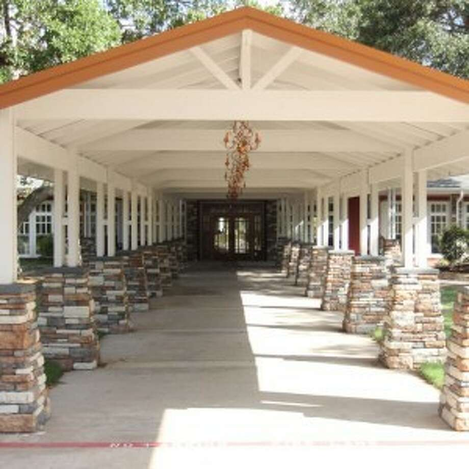 Kevin and Sandy Kilgore, owners of The Overlook Special Events Venue located in Atascocita, will feature Whittington Bridal for it's semi-annual Bridal Fashions runway fashion show Sunday, April 27 from 3 p.m. to 6 p.m.