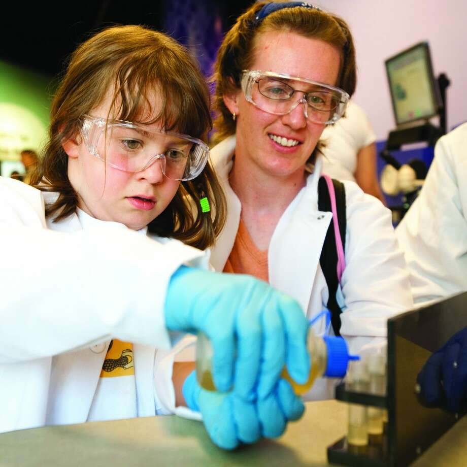 Located in the Sue Trammell Whitfield Gallery, the DeBakey Cell Lab opens Friday, March 27, and features seven authentic biology-based science experiments developed for visitors ages seven to adult. Photo: Scott Dressel-Martin