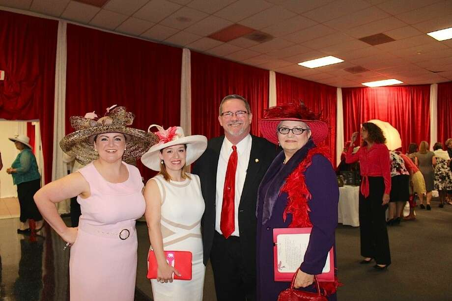 Crystal Carbone, Amy Hill, Judge Matt Sebesta and ARC President Dale Pillow enjoy the event.