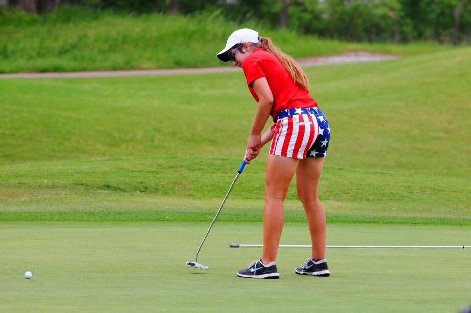 Lauren Pettinati finished atop the leaderboard at the district 19-5A golf championships in Sealy. Photo: Tony Gaines