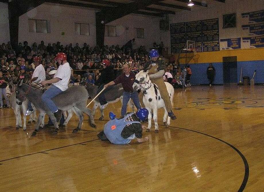The community is invited to a fundraiser for Splendora High School's Project Graduation - a Dairyland Donkey Basketball game April 24, 2015.