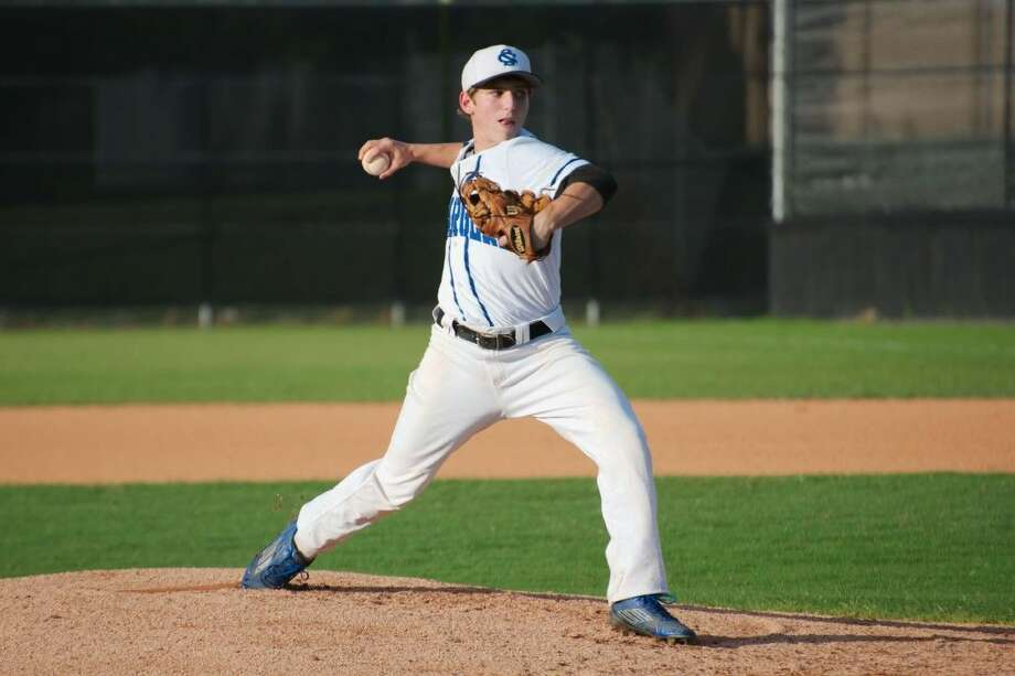 Clear Springs' Itchy Burts (2) pitched a complete-game four-hitter Tuesday night against Friendswood. Photo: KIRK SIDES