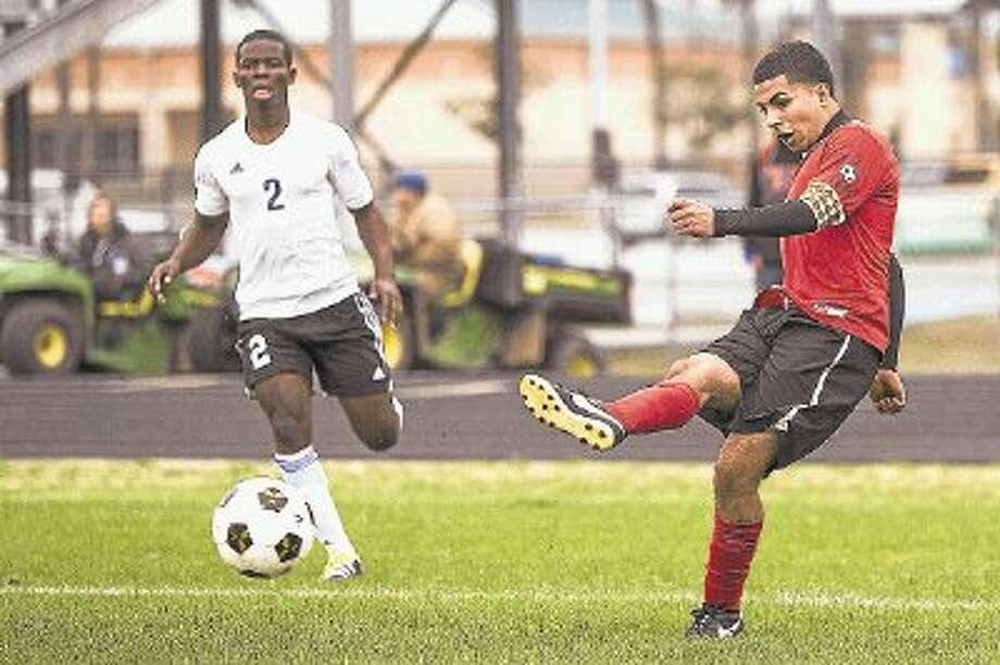 Porter senior Luis Salazar scored 16 goals in 18 matches this season. / 2014 Andrew Buckley