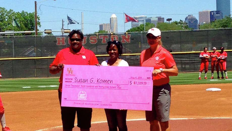 UH donatd Pink Game proceeds to Houston Affiliate of Susan G. Komen.