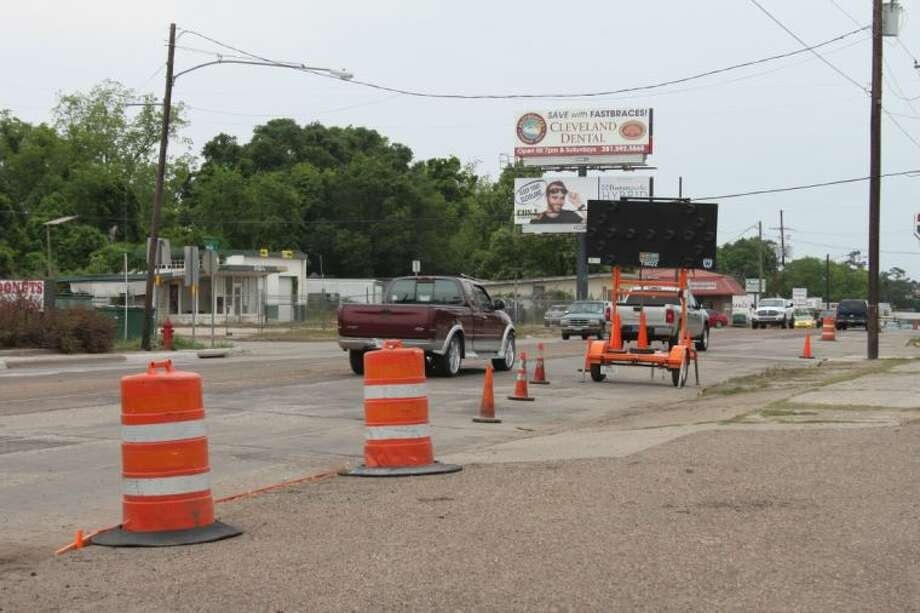Loop 573 (Washington St.) in Cleveland is being repaired by contractors working for the Texas Department of Transportation. The project is expected to be finished by June. Photo: VANESA BRASHIER