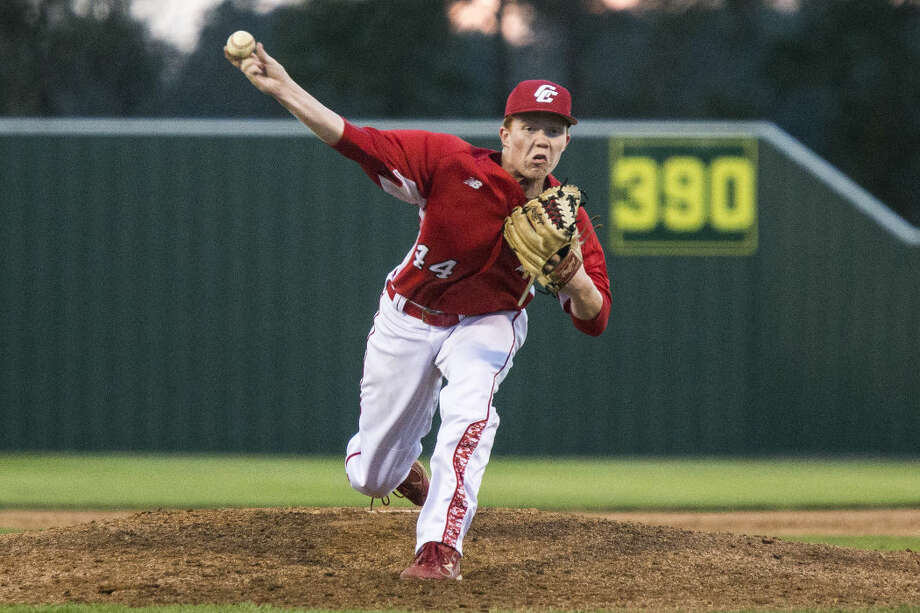 Crosby's Sean Bergeron (44) pitches during Crosby's 9-8 extra inning victory over Humble on March 18, 2015, at Humble High School. Photo: ANDREW BUCKLEY