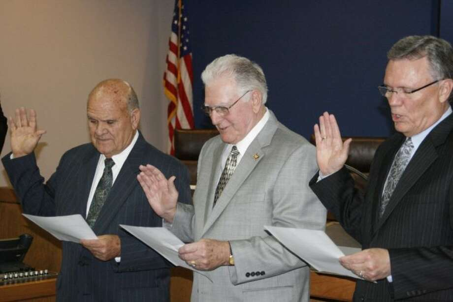 The City of Humble swore in three new council members during their May 13 special meeting which included two incumbents and a brand new board member. Incumbents Merle Aaron and Allan Stegall as well as newly elected Norman Funderburk were sworn into office by City of Humble Mayor Donnie McMannes.