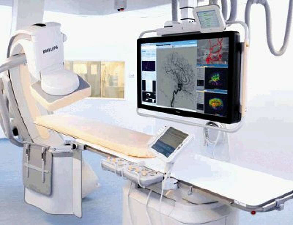 Memorial Hermann Northeast Hospital's new hybrid endovascular suite combines the capabilities of a cardiac catheterization lab and an operating room into a single suite. This hybrid room will be able to accommodate a wide range of procedures providing more efficient and effective care for patients.