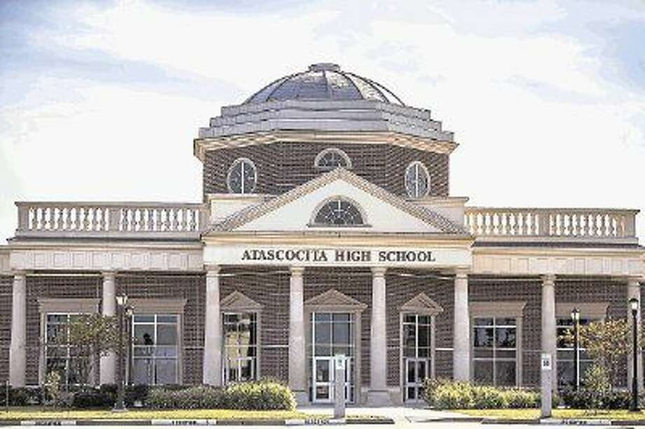 Atascocita High School Principal Bill Daniels sent a letter home to parents notifying them of alleged texts between a teacher and student. Photo: ANDREW BUCKLEY