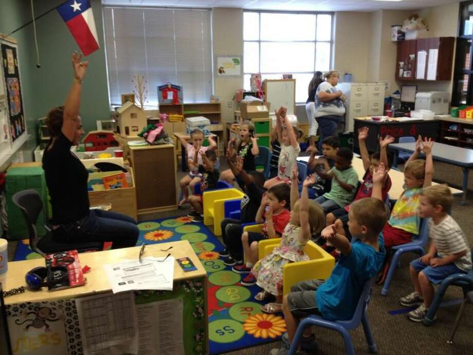 AuPairCare's au pair Laura Suarez from Columbia has always had a passion for helping children through her Spanish Enrichment Program at Lakeshore Elementary.