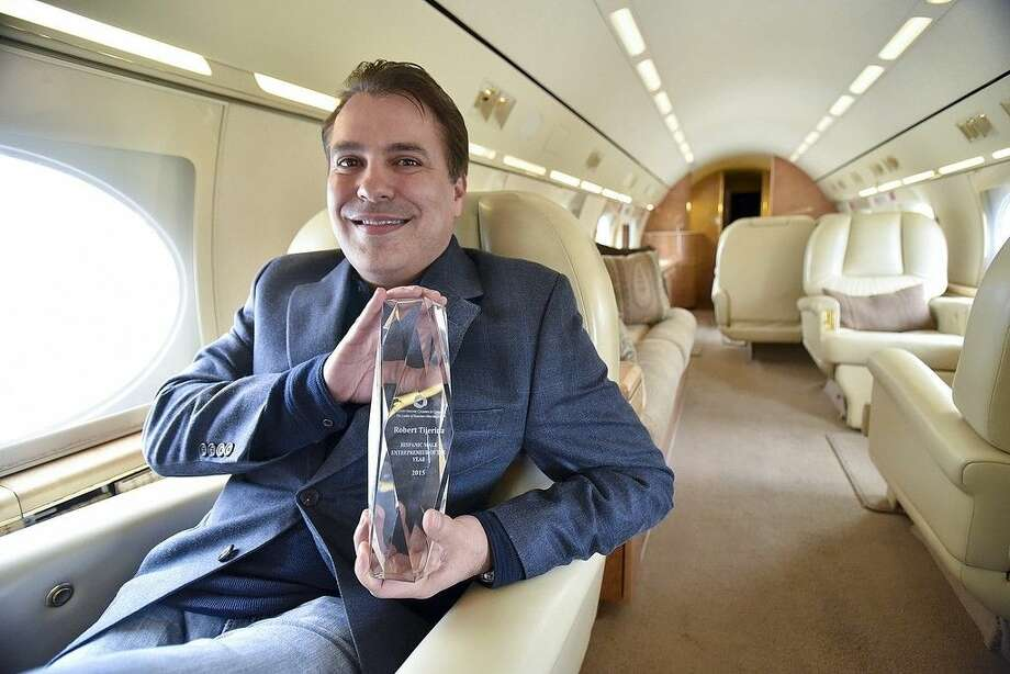Former San Jacinto College student Robert Tijerina, owner of Priority 1 Aviation, was named Male Entrepreneur of the Year by the Houston Hispanic Chamber of Commerce. Photo credit: Rob Vanya, San Jacinto College marketing, public relations, and government affairs department.