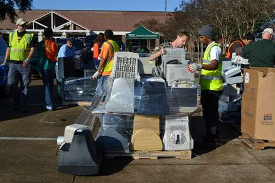 A scene from a previous electronic recycling event in Missouri City. Photo: Photo Courtesy City Of Missouri City