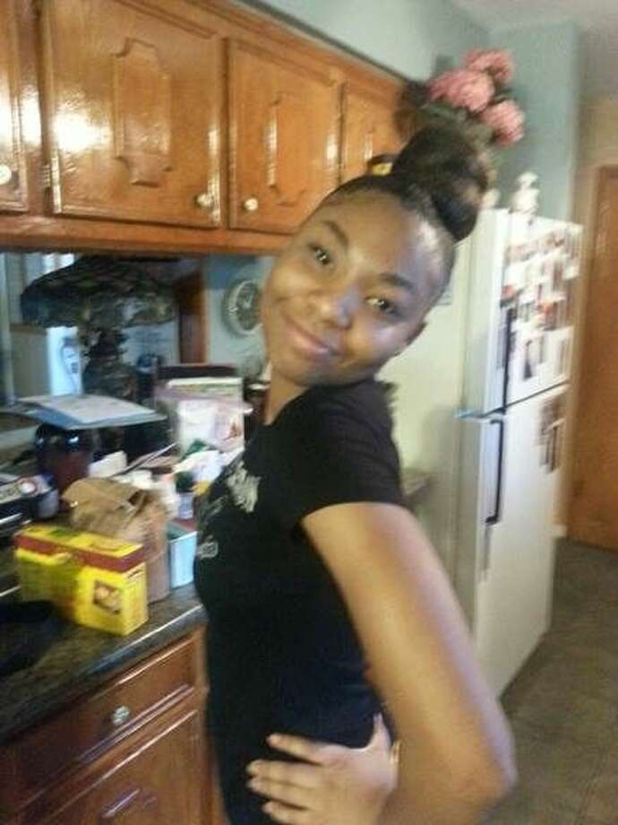 Authorities are seeking the public's help in locating this girl, Alia Campbell. Campbell, 19, was last seen at Brays Oaks Village Apartments on Dec. 29. Anyone with information should call the FBCSO promptly.
