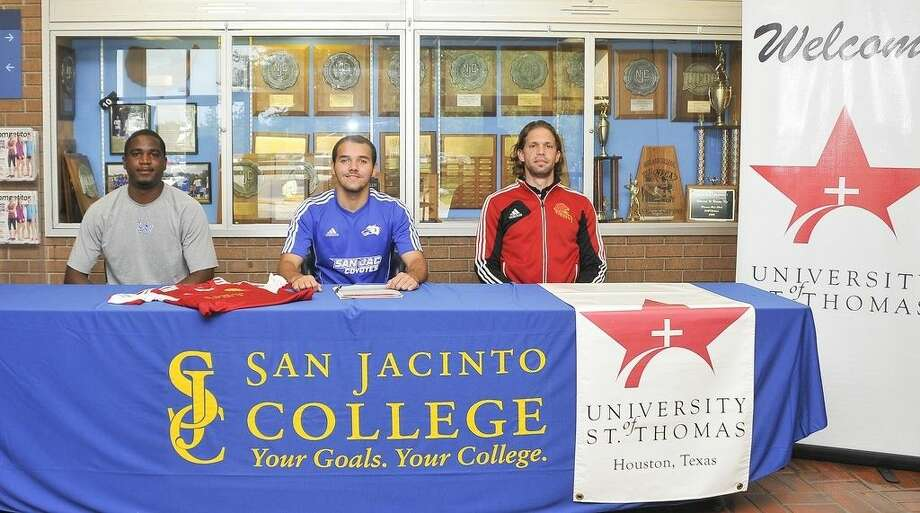 Pictured from left to right: San Jacinto College Soccer Head Coach, Ian Spooner; Ian Barbosa; and University of St. Thomas Soccer Head Coach, Aaron Champenoy. Photo credit: Andrea Vasquez, San Jacinto College marketing, public relations, and government affairs department.