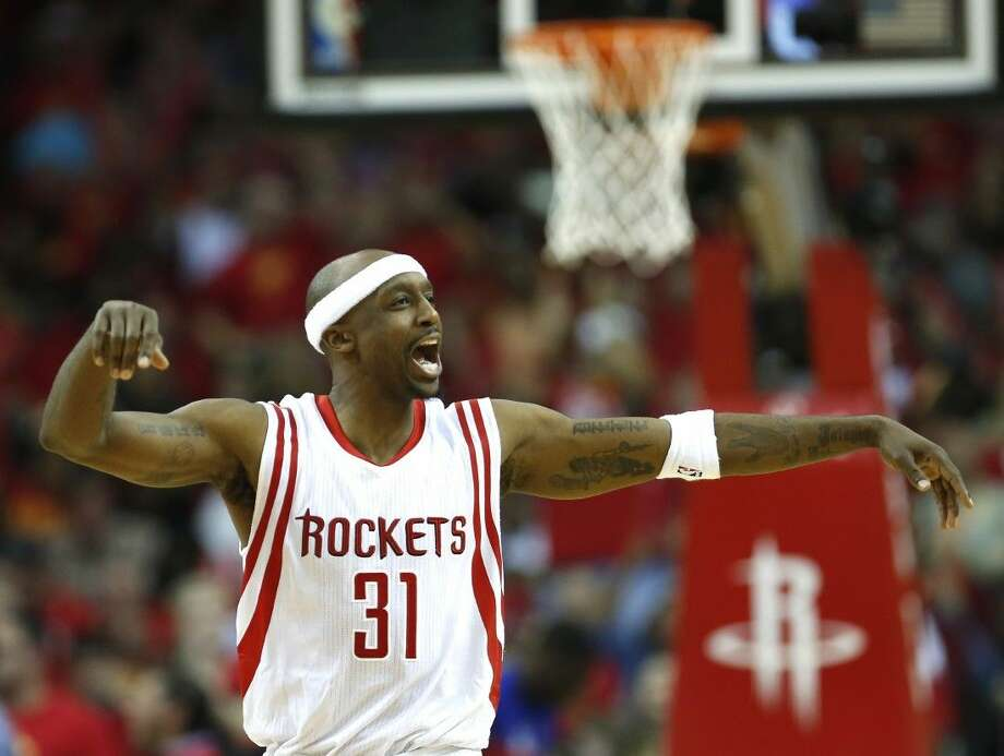 Rockets guard Jason Terry reacts to a play in the Rockets' 124-103 victory over the Clippers.