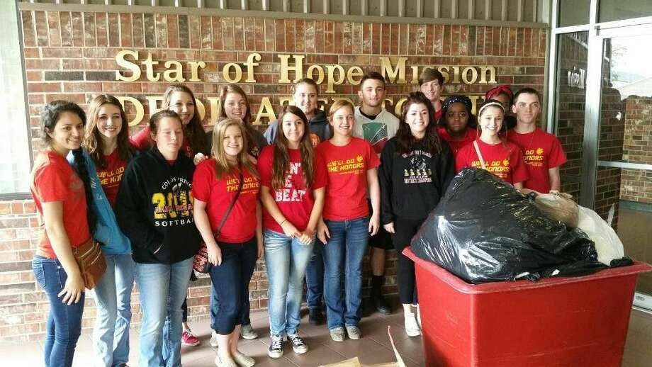 Coldspring-Oakhurst High School students deliver Blessing Bags to the Star of Hope Mission in Houston. Photo: Submitted