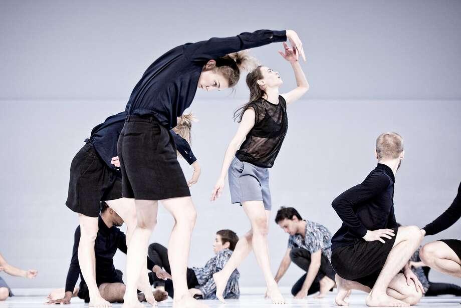 Cal Performances presents Cullberg Ballet performing Deborah Hay's Figure a Sea SaturdayÐSunday, October 22Ð23, 2016 in Zellerbach Hall.  Credit: Urban JšrŽn Photo: Urban J�r�n