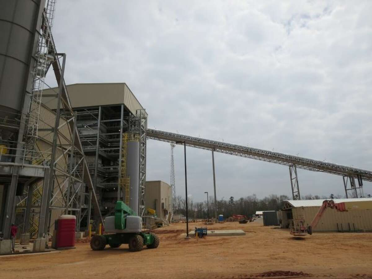 East Texas Electric Cooperative's new Woodville Renewable Power Facility, which is nearing completion, will produce 49 megawatts of clean, carbon-neutral electricity close to home for Cooperative members. It will also diversify ETEC's generation portfolio for its distribution cooperative members, including Sam Houston EC.