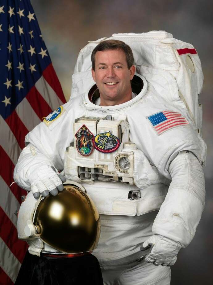 Former astronaut Mike Foreman running for Friendswood City ...