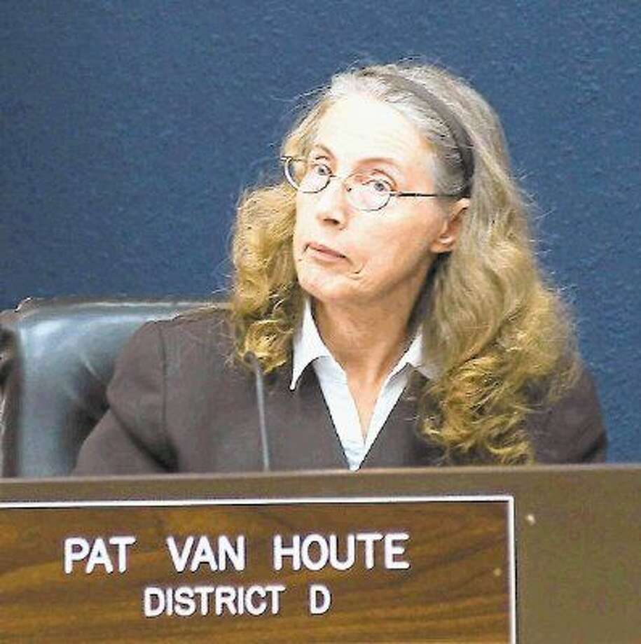 Councilmember Pat Van Houte said renewing the contract would not violate any laws but voted against the measure anyway. The proposal was approved 5-3, with councilmember Cary Bass abstaining. The proposal is expected to come before the council for a final vote at the next council meeting. Photo: KIRK SIDES