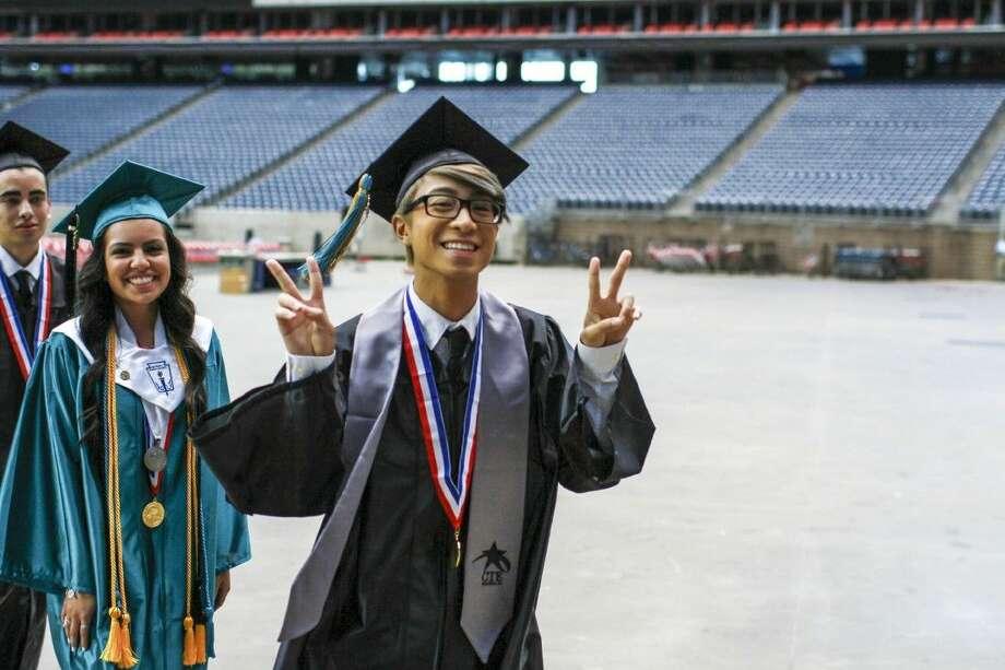 Pasadena Memorial graduate.
