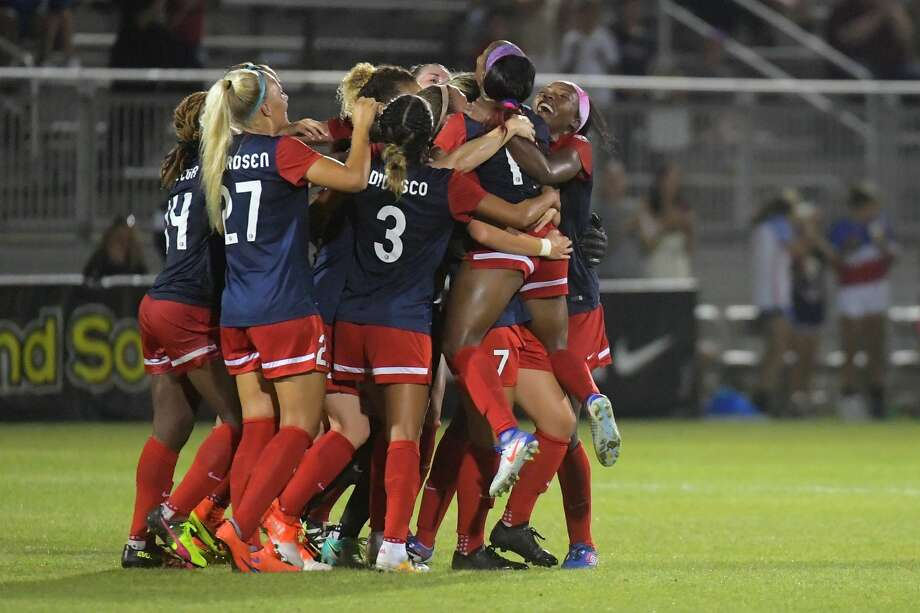 BOYDS, MD - SEPTEMBER 7: The Washington Spirit celebrates the first half goal by Washington Spirit forward Crystal Dunn (19) against the Seattle Reign FC at the Maryland SoccerPlex's Maureen Hendricks Field September 07, 2016 in Boyds, MD.   (Photo by Katherine Frey/The Washington Post via Getty Images) Photo: The Washington Post/The Washington Post/Getty Images