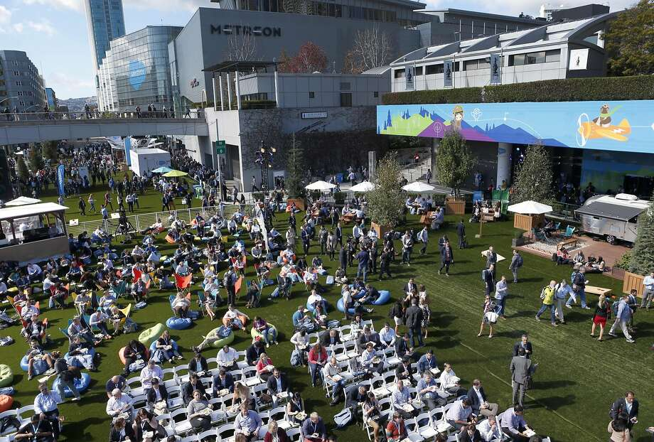 Howard Street between Third and Fourth streets is covered in thick artificial turf to give Dreamforce an outdoorsy feel. Photo: Paul Chinn, The Chronicle