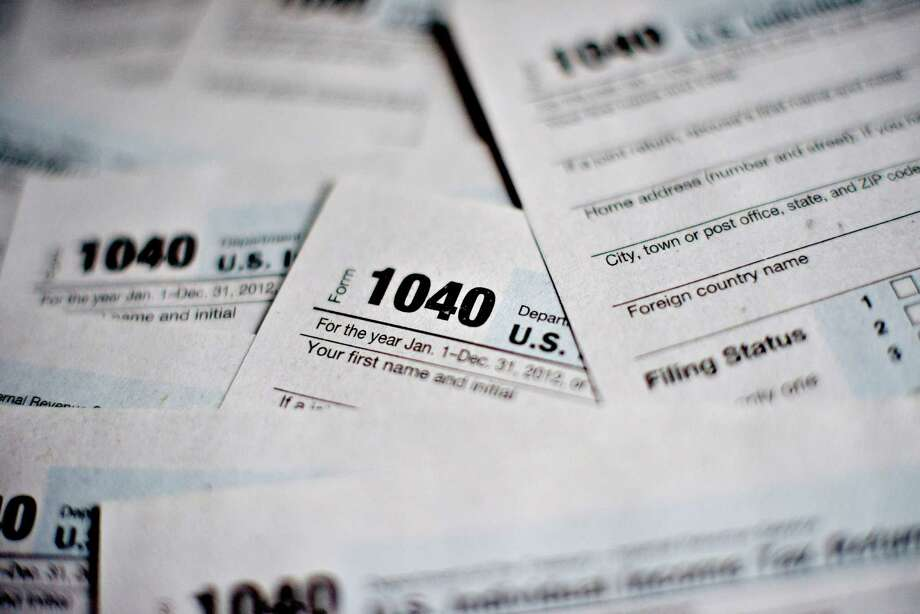1040 Individual Income Tax forms Photo: Daniel Acker / © 2013 Bloomberg Finance LP