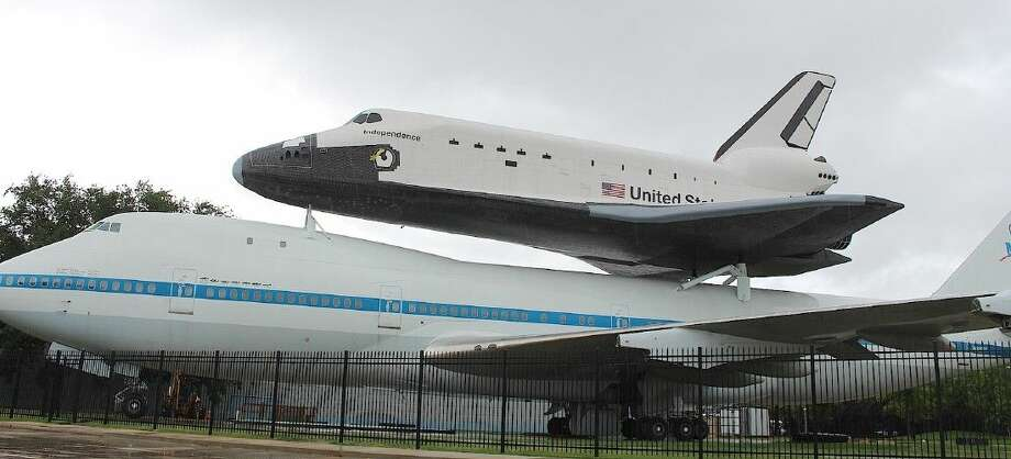 The Boeing 747 on which shuttle mock-up 'Independence' sits.