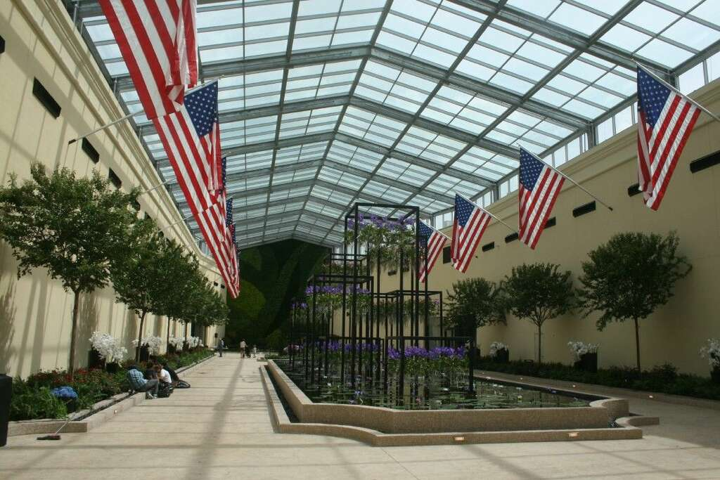 Among The Exclusive Amenities Of The Grand Parkway Location Is An Atrium In  The Middle Of