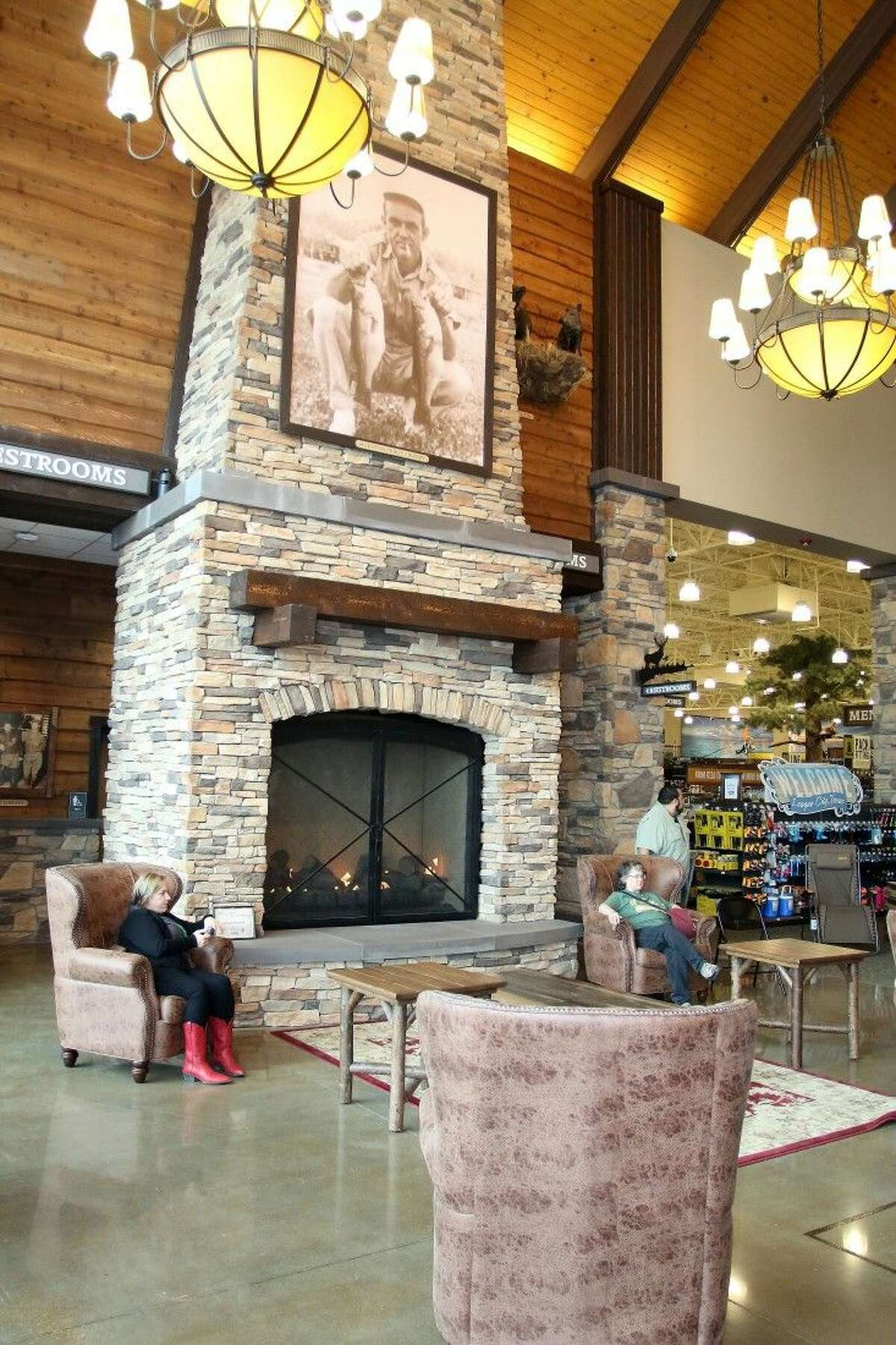 With the feel of a hunting lodge, Cabela's rolls out the red carpet.