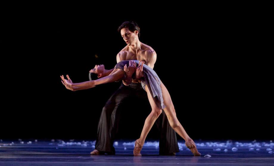 "Dancers Karina Gonzalez and Simon Ball in ""Murmuration"" by choreographer Edwaard Liang. Photo: By Amitava Sarkar"