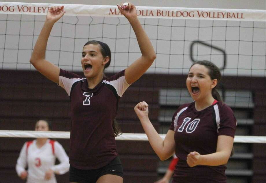 Right-side hitter Morgan Miller, left, and setter Lindsey Smothers will do the heavy lifting for Magnolia this season.