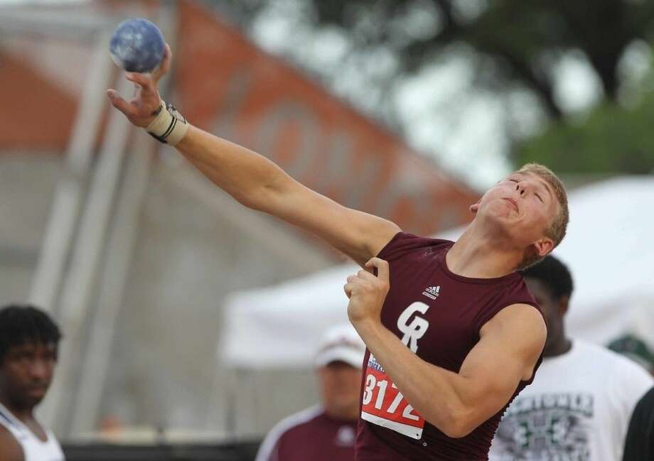 Cinco Ranch's Blake Kuithe qualified for the 2016 Texas Relays in the shot put and discus. Kuithe medaled in both at the Victor Lopez Classic, winning silver in the shot put and bronze in the discus. Photo: Jason Fochtman