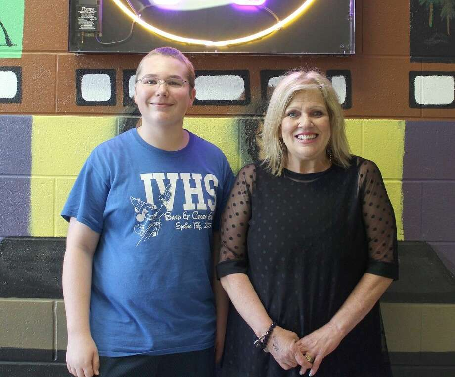 Jersey Village High School sophomore Mitchell Ellison, pictured with JVTV director Cindy Stoker, redesigned the JVTV website to earn a Gold Award at the 5th Annual ESE Networks Awards at the 2016 STN Convention, March 10-13 in Atlanta.