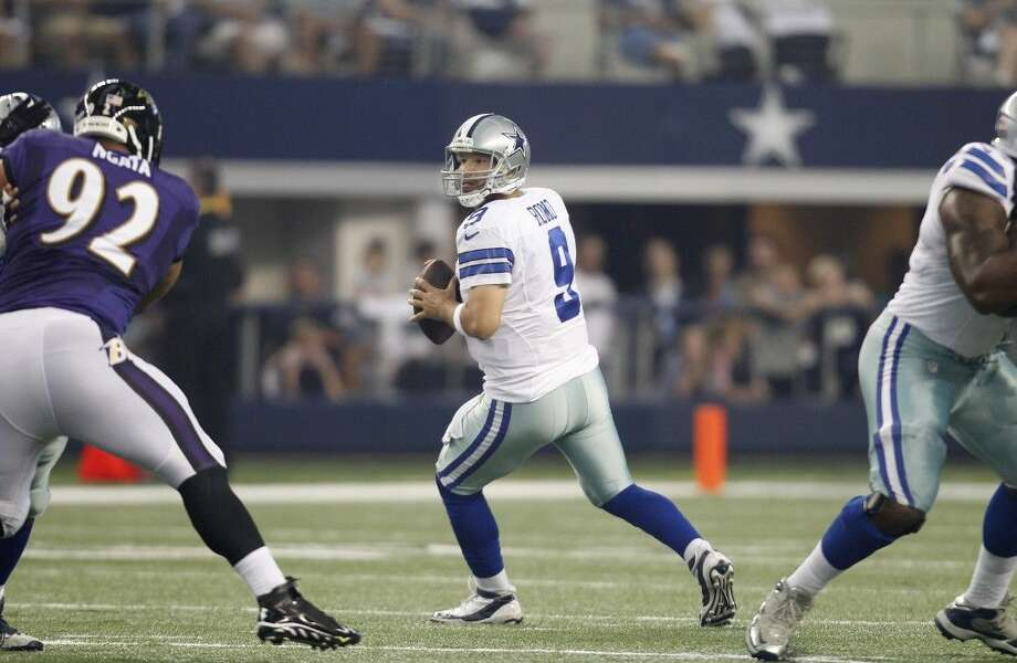 Dallas Cowboys quarterback Tony Romo played for the first time since undergoing back surgery.
